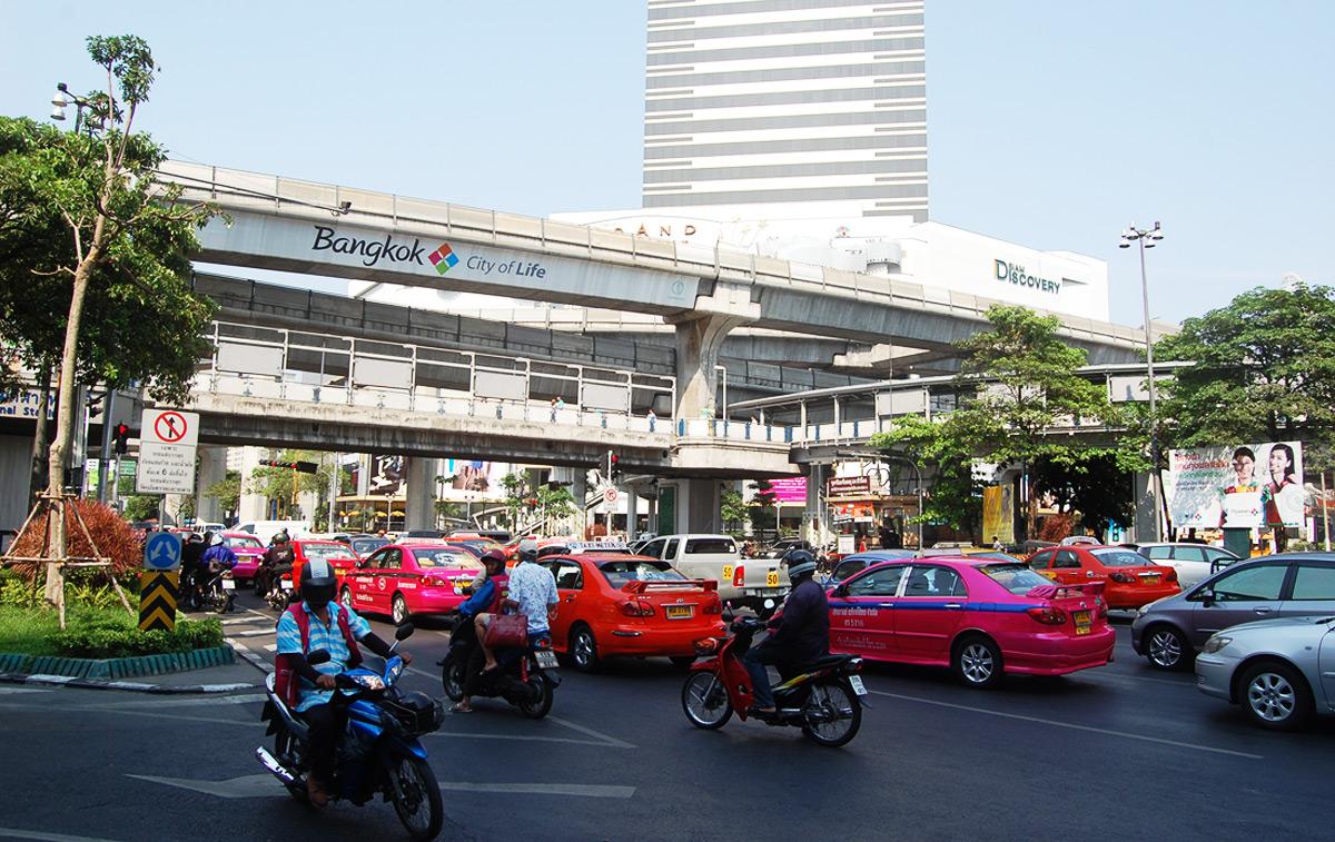Площадь Rama 3