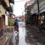 Улицы южного города Трат в Таиланде после тропического дождя