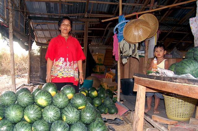 Арбузы и фрукты в Тайланде