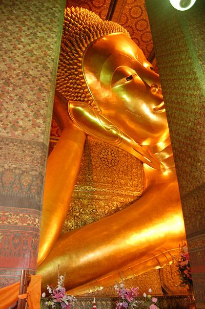 Бангкок лежачий Будда