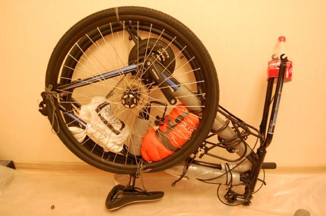 В итоге этот велосипед оказался выше других в упакованном виде. В одном сканере на входе в Шереметьево, он не вмешался. Сканировали пополам.