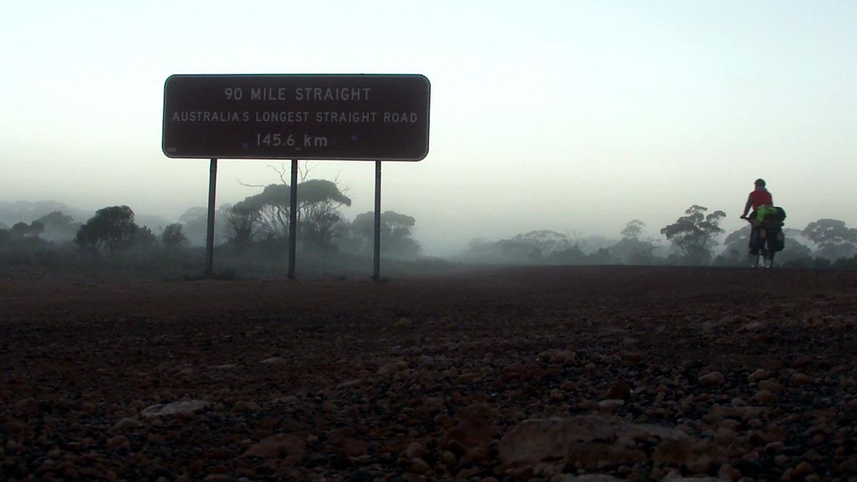 Самая длинная прямая дорога Австралии