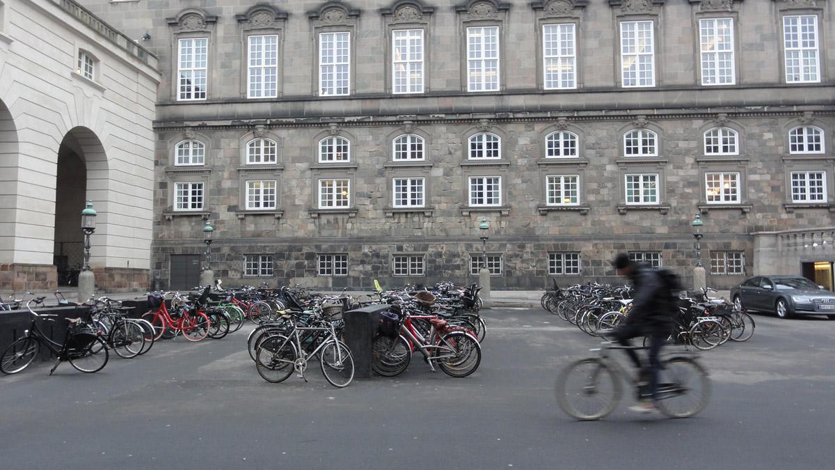 В феврале в Копенгагене было сухо и без снега - можно катать на велике