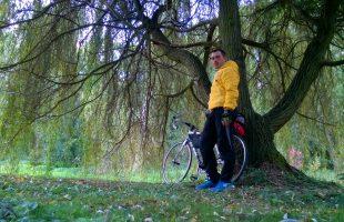Велодорожка вдоль Влтавы из Праги в Дрезден проходим мимо красивых парков и стариных особняков